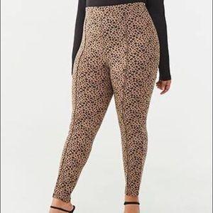 Cheetah leggings / pants